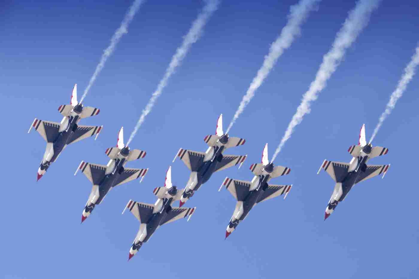 Air Force Thunderbird F-16s Delta Streaking Downward