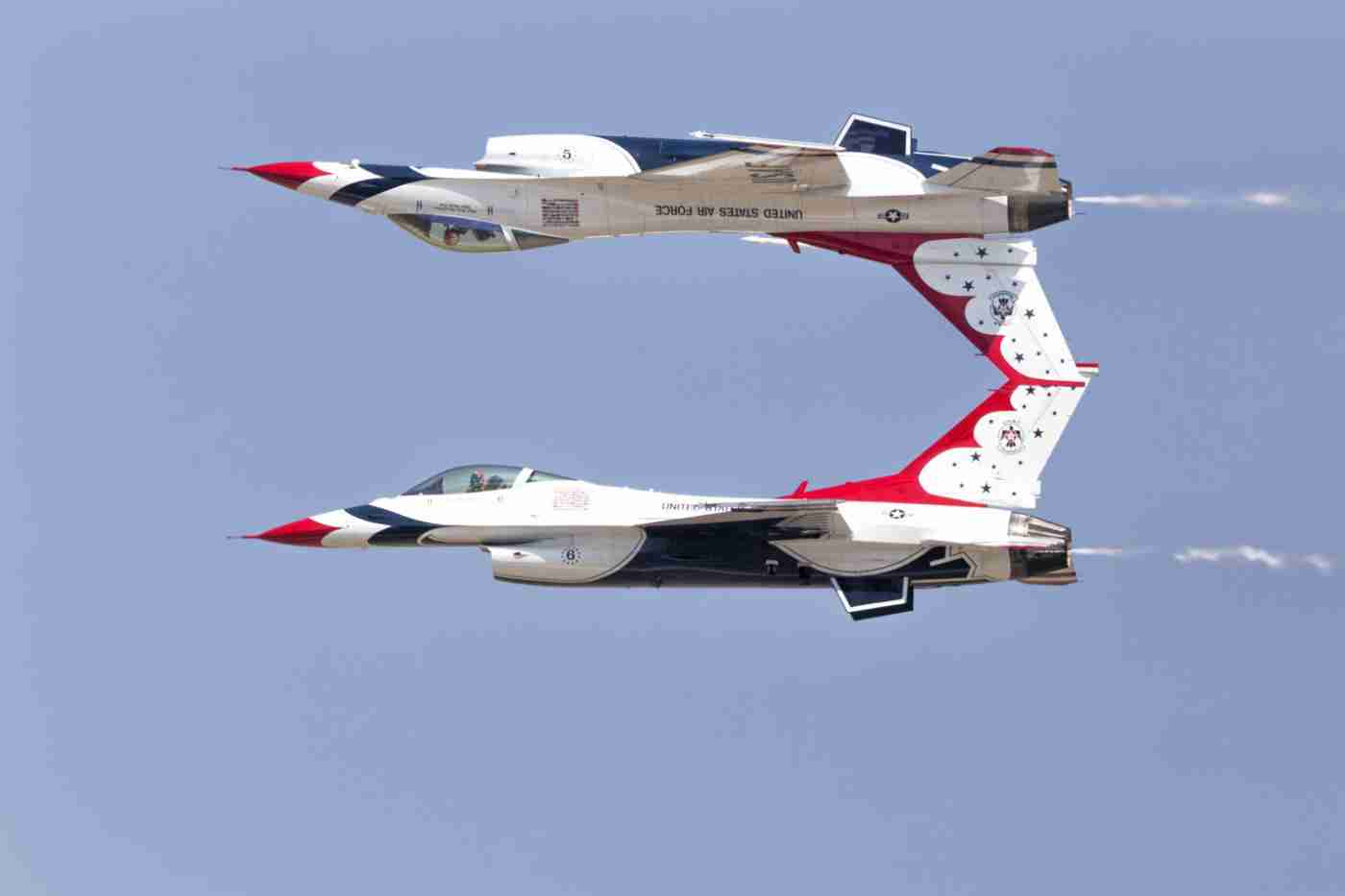 Air Force Thunderbird F-16s in Calypso Pass Formation