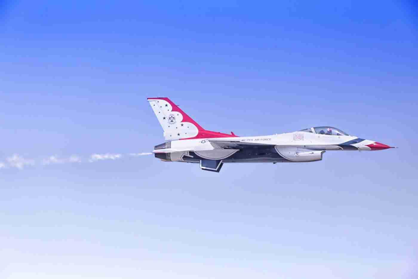 A Lone Air Force Thunderbird F-16